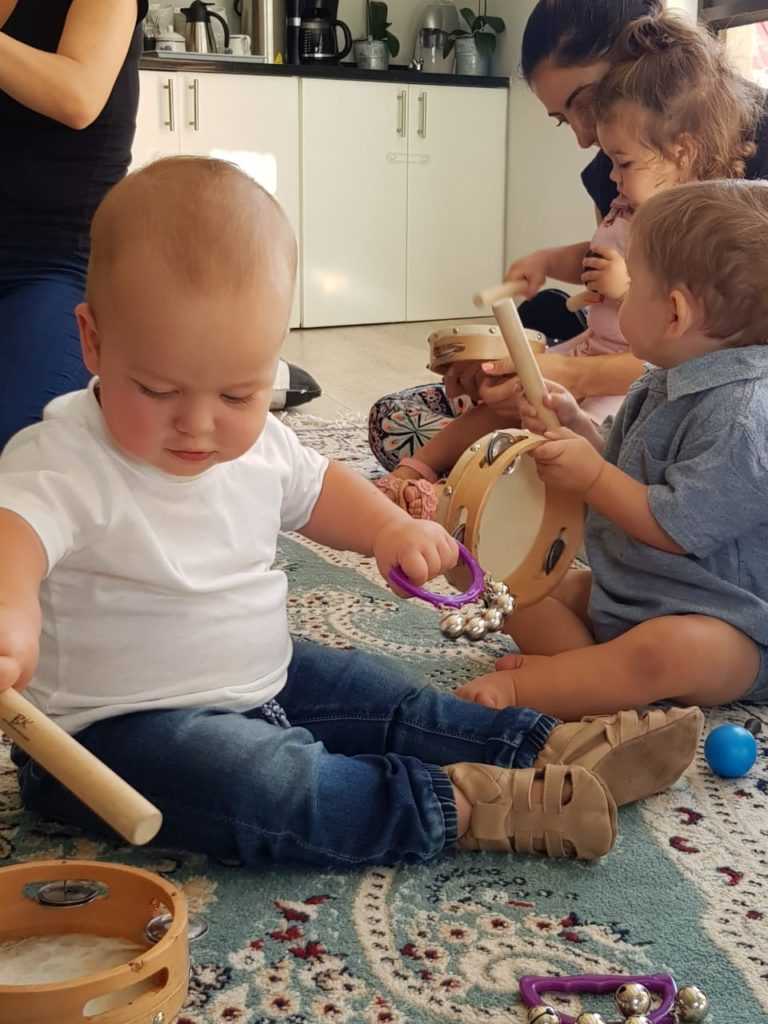 Wriggle and Rhyme music and movement class in Panorama